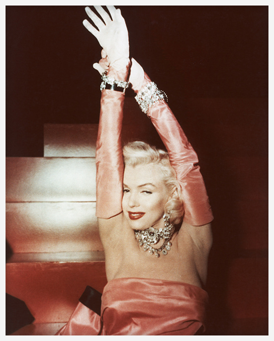 marilyn_monroe_les_hommes_pref__rent_les_blondes_films_bijoux_8484_north_545x